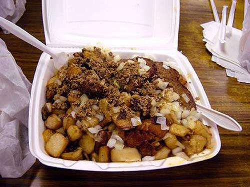 The Garbage Plate- da ist wohl alles drin (Fleisch aller Art, Fisch, Bohnen, Pommes usw.)