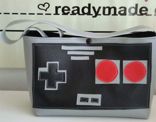 custom_1239562416183_nes_8bit_purse