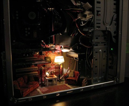 mini_room_casemod_3-thumb-550x451-25728